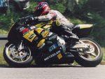 Stefano Manici sulla sua moto (Campione Nazionale 2002 classe Open)